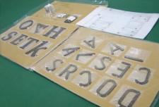 ステンレス切文字 CSUS 株式会社ホームデザイン様 真鍮硫化いぶし仕上げ